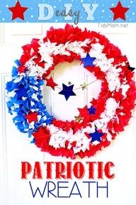 Easy Outdoor DIY Patriotic Flag Wreath | TidyMom
