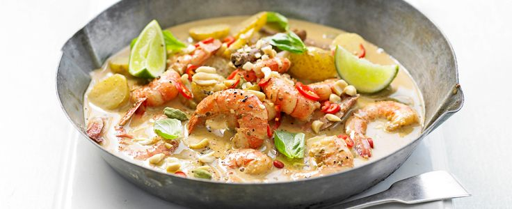 Massaman curry comes from southern Thailand and is not as fiery as green or red Thai curries. We love the fragrant flavours and the texture that the peanuts add.