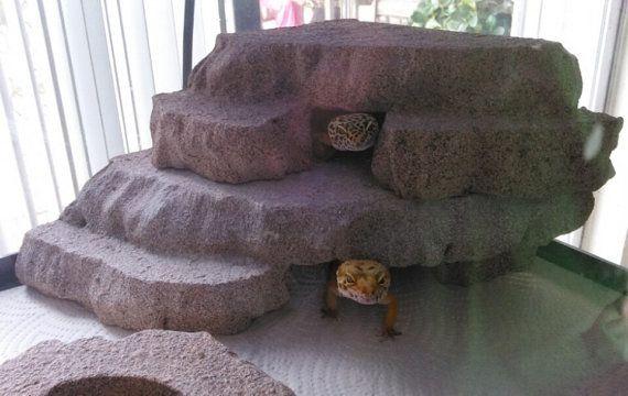 10 gallon  corner reptile basking hide  leopard gecko by Herphomes