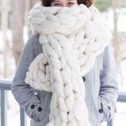 10 objets pour un automne tout en douceur - Echarpe en laine à grosses mailles