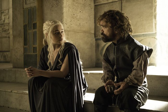 #GoT S6E10 Queen #Daenerys and Tyrion discuss the great game. They are a great team!