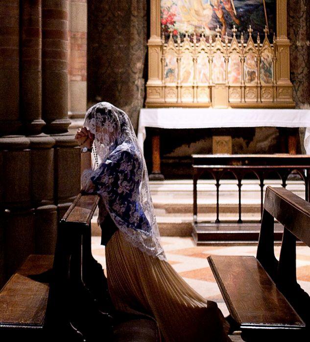 Cohen, Nadia Shira - Woman Praying- Museo delle Anime dei Defunti (Church at), Rome- 'NY Times' -2d
