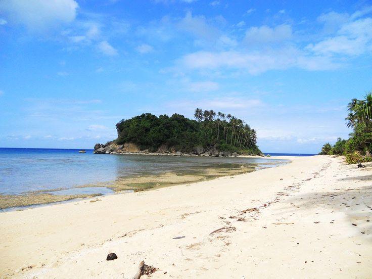 Binucot Beach in Ferrol, Romblon (Tablas Island) | Finding the Silver Lining