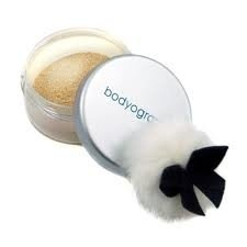 Cosmetice online Bodyography Powder Shimmer  Pret initial : 59,00RON   Pret special:  47,20RON    Comandati aici: http://www.makeupcenter.ro/bodyography-bodyography-powder-shimmer-p-250.html