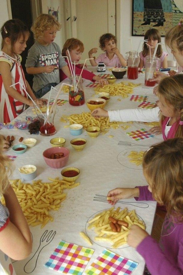 Bij Maurits feestje n x gedaan Feestmaal zonder borden en bestek, super leuk idee voor een feestje!