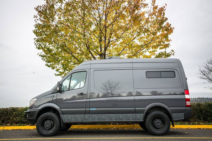 OSV 4x4 144 Mercedes-Benz Sprinter Louie-Blue