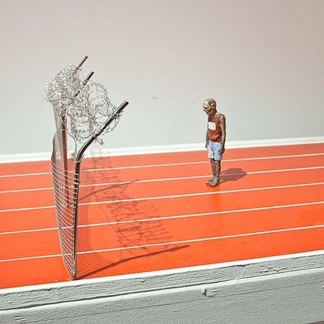 Minyatür Heykellerle Hayatın Zorluklarını Anlatan Isaac Cordal'dan Etkileyici Çalışmalar Sanatlı Bi Blog 37