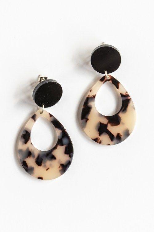 955897f5a50 DIY Tortoiseshell Statement Earrings