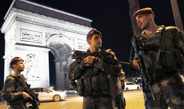 French election: France deploys security forces after Champs Elysees attack - https://newsexplored.co.uk/french-election-france-deploys-security-forces-after-champs-elysees-attack/