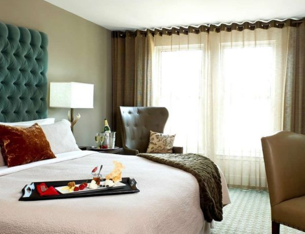10 Incredible Ways To Decorate Your Guest Bedroom