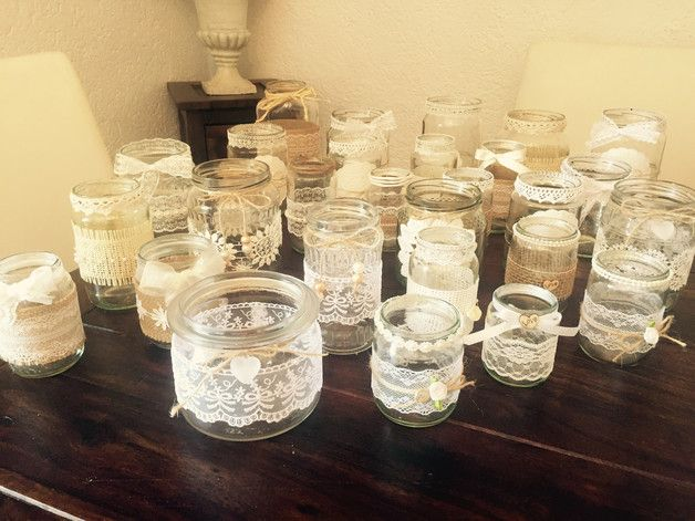 Handgefertigtes 30 teiliges Vintage Dekoset. Die Gläser können als Vasen Teelichthalter oder Windlichter verwendet werden.  Jedes Set ein Unikat. Die Form und Gestaltung der Gläser variiert....