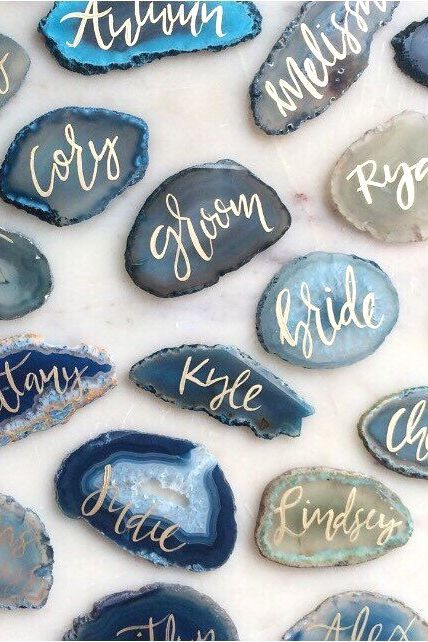 Dazzle guests with agate place cards. Wow | mysweetengagement.com