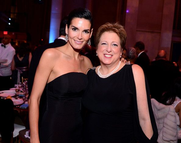 Angie Harmon Photos - UNICEF Ambassador Angie Harmon (L) and President and CEO of U.S. Fund for UNICEF Caryl Stern attend the Tenth Annual UNICEF Snowflake Ball at Cipriani Wall Stree on December 2, 2014 in New York City. - The Tenth Annual UNICEF Snowflake Ball - Inside