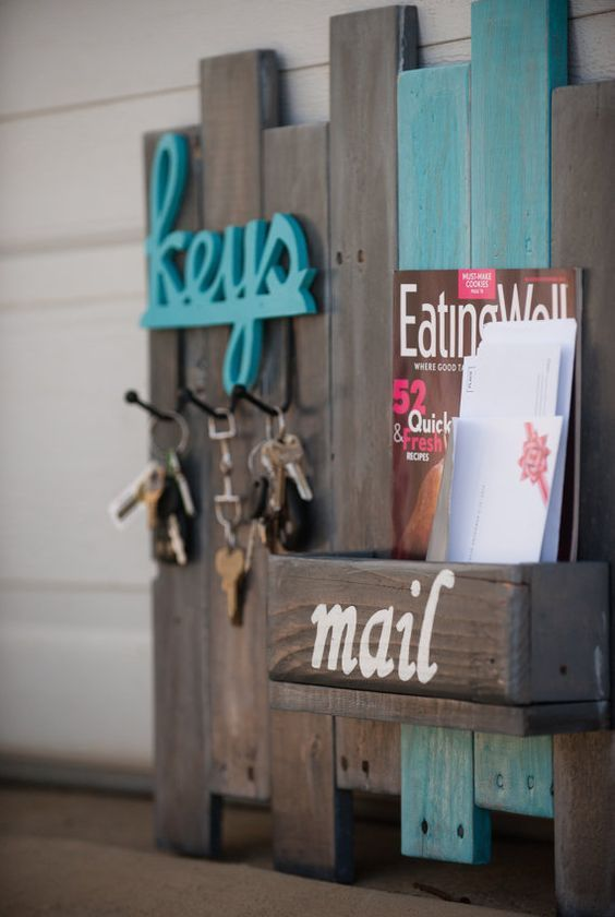 Key and Mail Organizer on Reclaimed Wood / #reclaimed #wood #mail #organizer