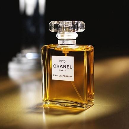 1000  images abo...Chanel Stockholm