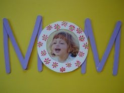 I may try this for Mother's day craft with the kids.  We will see. http://pinterest.com/cleverclassroom/mother-s-day-craft/
