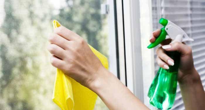 <p>Fácil de fazer e com excelentes resultados.Muito bom para limpar qualquer vidro: limpar box banheiro, portas, janelas, fechamento de varanda. Deixa limpo e cristalino ao mesmo tempo. A RECEITA: 250 ml de álcool isopropílico (se quiser substituir pelo álcool liquido comum, pode, mas o isopropílico é melhor) 250 ml de …</p>