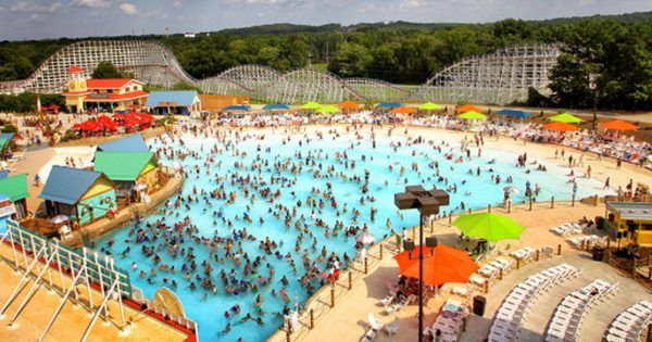 Six Flags Is Returning To Houston With Hurricane Harbor Splashtown Water Park Hurricane Harbor Us Park