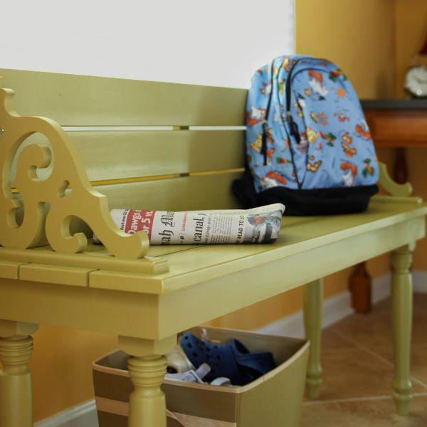 This easy-to-build bench works great in indoor and outdoor spaces.