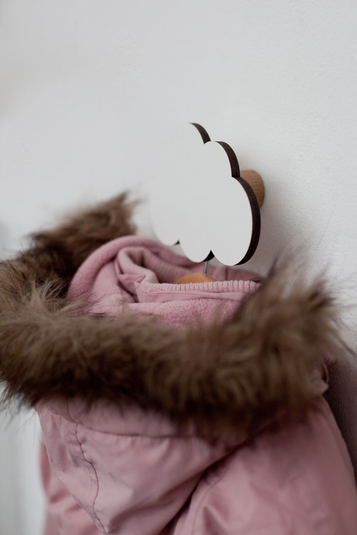 Cute White Cloud Hook from #hagelens Perfect for the nursery or your home. Unisex kidsroom ideal.