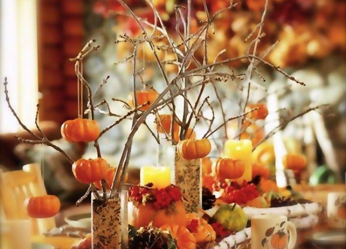 Våga lek med dekorationerna till årets Halloweenfest. Knyt pumpor i trädgrenar, gör en festlig girlang av höstlöv och tänd ljus som ger det rätta skenet.