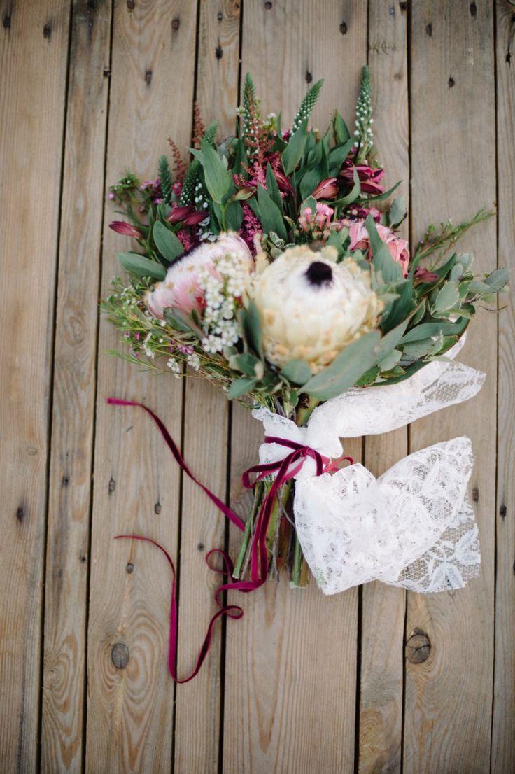 Boho Romance | Styled Shoot #EcoChicWeddings #Dimity #EcoBride #LauraJansenPhotography #PistachioDesigns