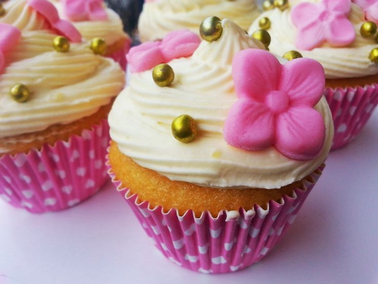 Cupcake con crema pasticciera http://www.lovecooking.it/dolci/cupcake-frosting/