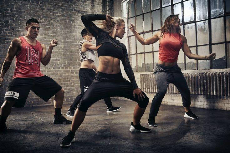 É uma aula de dança que utiliza movimentos e música pop e que promove (de forma discreta) um bom desgaste calórico. É uma modalidade Les Mills ideal para quem não gosta de fazer exercício físico, uma vezaparece disfarçada entre coreografias, passos de dança e música. Esta aula pode ajudar a perder entre 300 a 500 … Continued