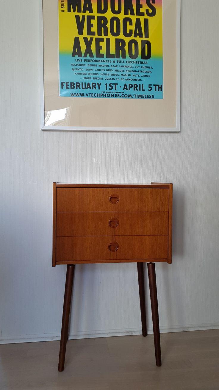 (2) FINN – Liten retro teak kommode / nattbord. Vintage norsk