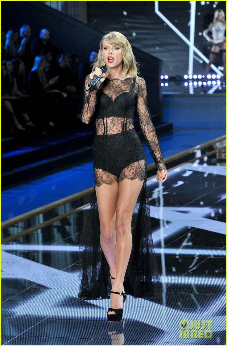 Taylor Swift Makes It Really Sexy During Victoria's Secret Fashion Show Performance