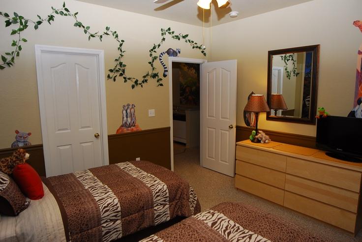 1000 images about safari room on pinterest safari theme for Jungle themed bedroom ideas