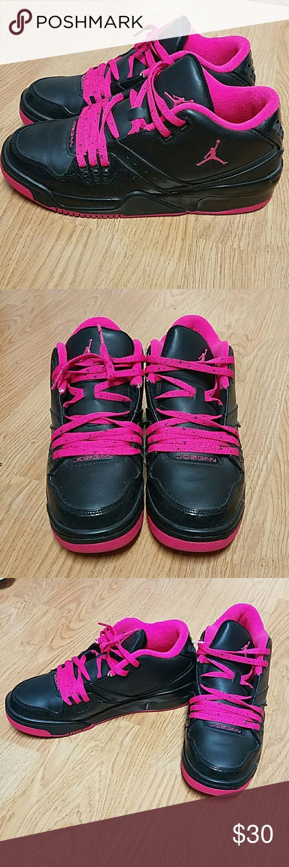 Kids Jordan sneaker Jordan black and hot pink sneakers. Excellent condition.worn only once Jordan Shoes