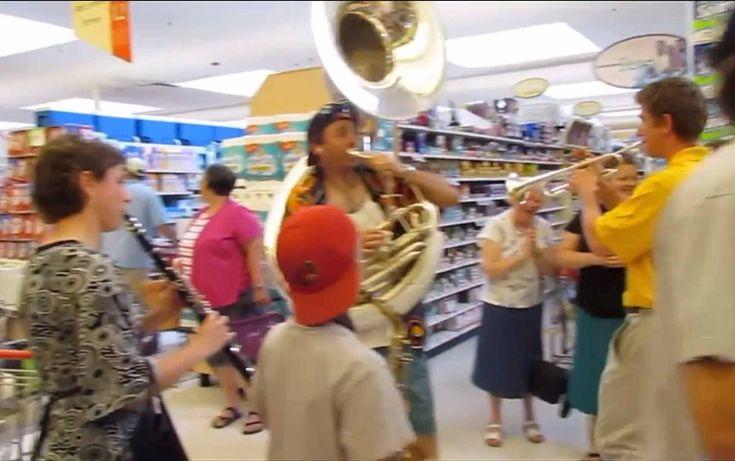 Fourth of July Flash Mob - Spirit of America Band
