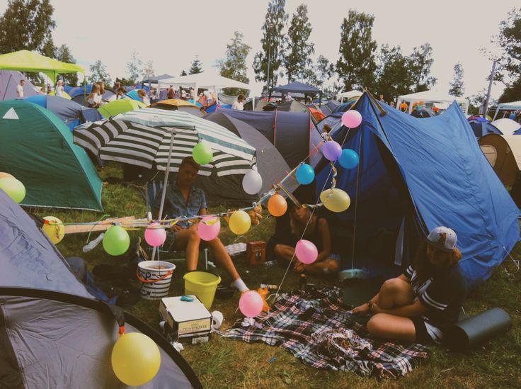 Festival och ett vackert camp