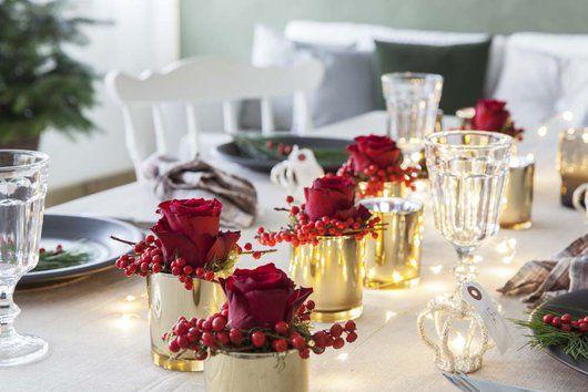 Rødt og gull gir en varm og lun julestemning.