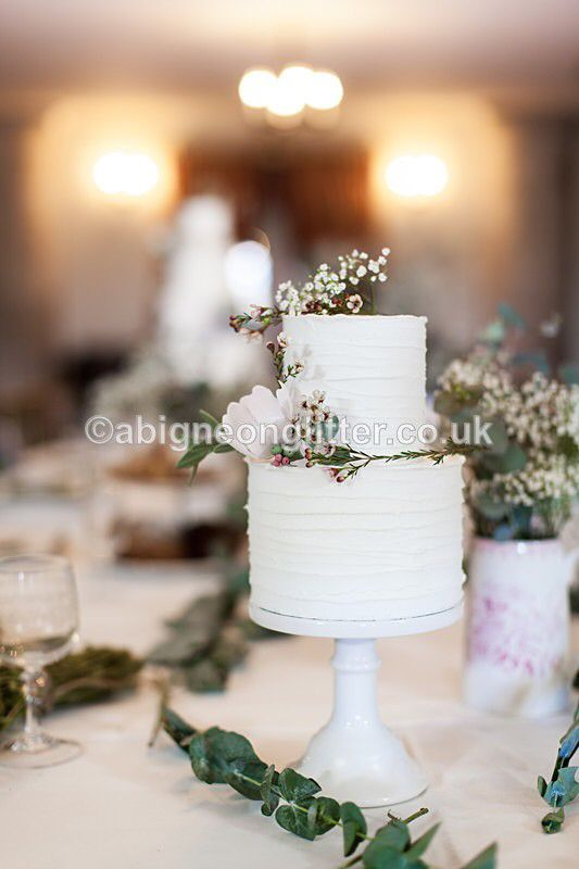 Styled wedding shoot at the stunning National Trust venue Kedleston Hall. Cakes by The Pretty Sugar Cake Company Styling by www.whatkatydoes.com Photography by www.abigneonglitter.co.uk #styledweddings #rusticweddingstyle #kedlestonhall #weddingcakes #rusticweddingcakes