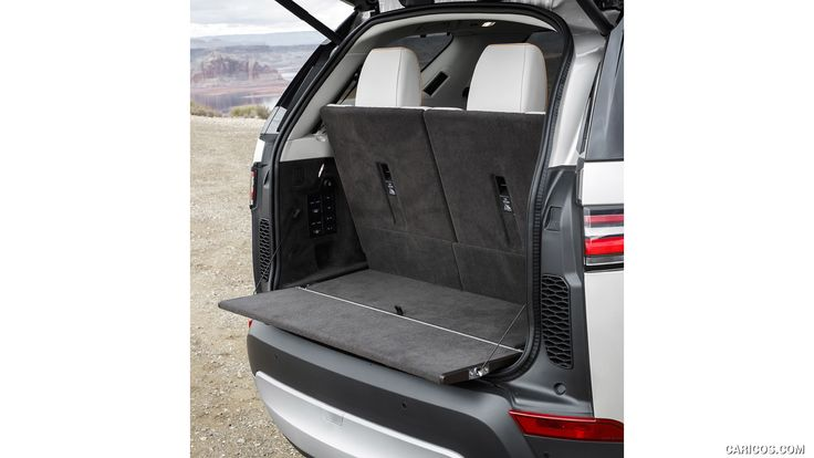 2018 Land Rover Discovery HSE Si6 (Color: Silicon Silver; US-Spec) - Trunk HD
