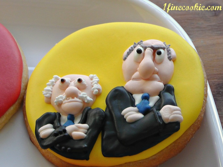 Statler and Waldorf Muppet Show Cookies by 1 Fine Cookie    http://www.1finecookie.com/2012/06/project-the-muppet-show/#