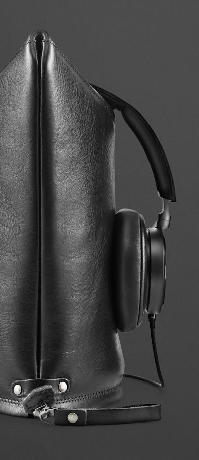 Peak by Hard Graft — Turn the Peak into a stand for your BeoPlay H6 Headphones | B&O PLAY #BeoPlay #BeoPlayH6 #BeoPlayHardCraft