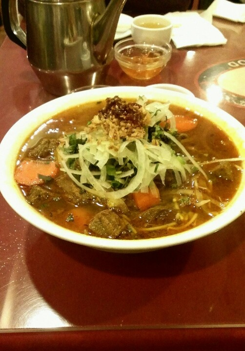 Delicious yinyang spicy Vietnamese beef stew noodles! Get it at the Ox Head in Ottawa