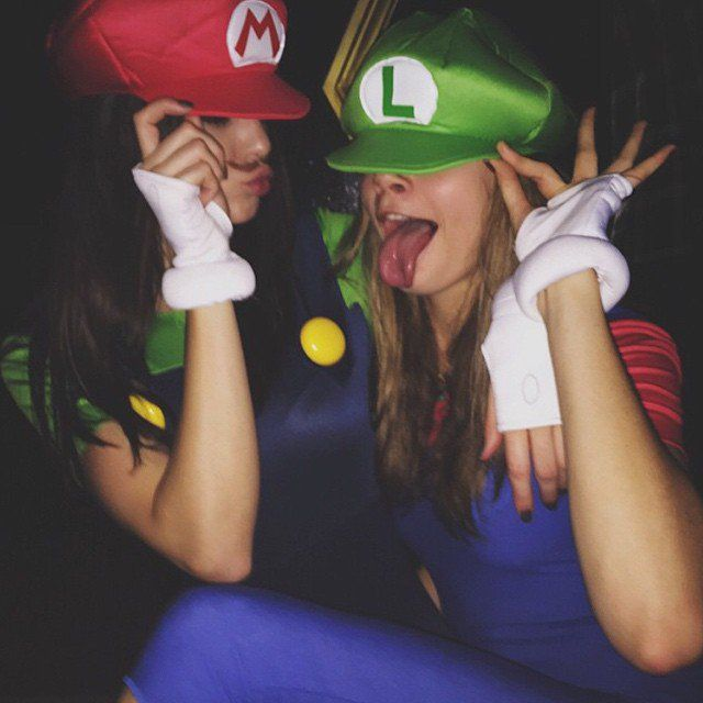 Pin for Later: The Best Throwback Celebrity Halloween Costumes Kendall Jenner and Cara Delevingne