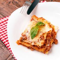 Copycat Olive Garden Lasagna   The lasagna recipe at Olive Garden is a family favorite and has a lot of loyal fans. If you love the lasagna at Olive Garden then you're going to adore this recipe! Use it to recreate the same lasagna in your own kitchen!