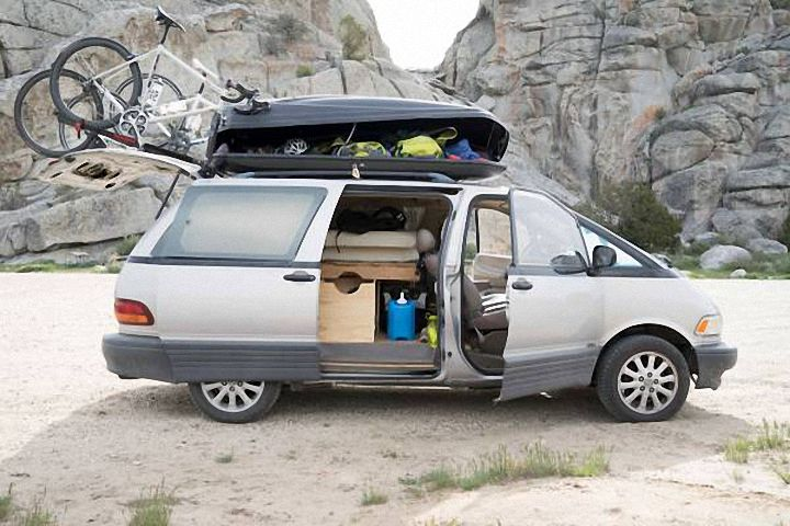 For $7,500, This 1995 Toyota Previa Might Make You A Happy Camper