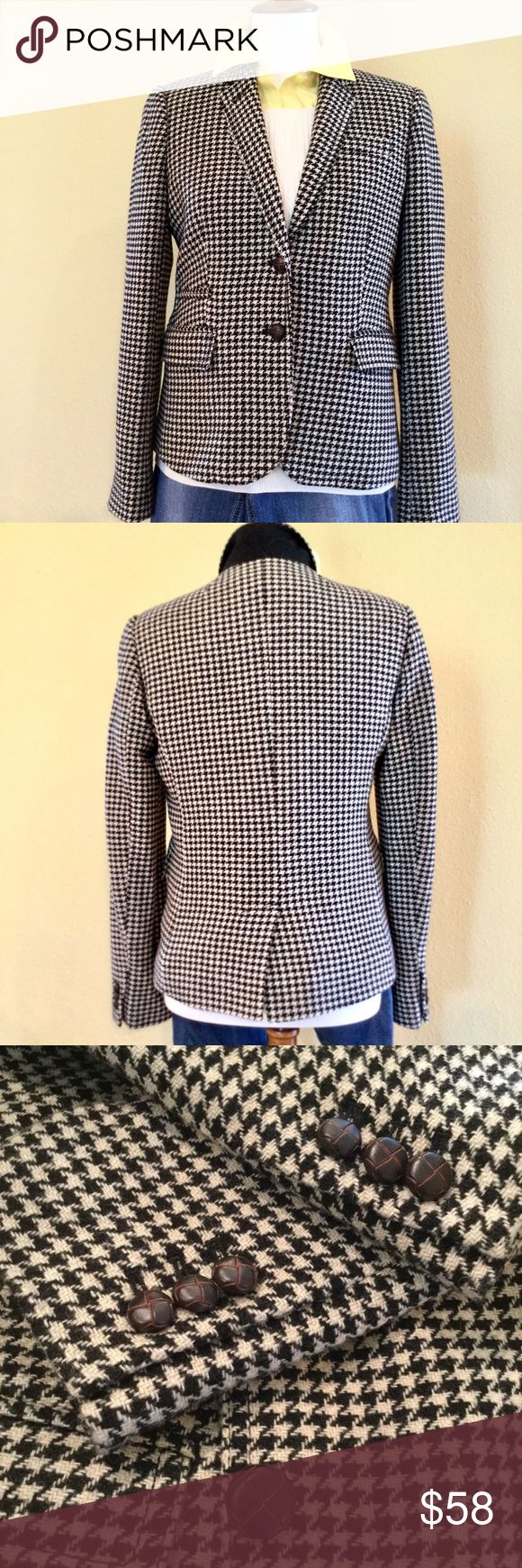 ⭐️HOST PICK⭐️ J. Crew Schoolboy Blazer Classic blazer with all the great details:  chestnut buttons, inside pocket, back vent.  Like new condition.  Since this is a preowned garment dry cleaning is always recommended before wearing. J. Crew Jackets & Coats Blazers