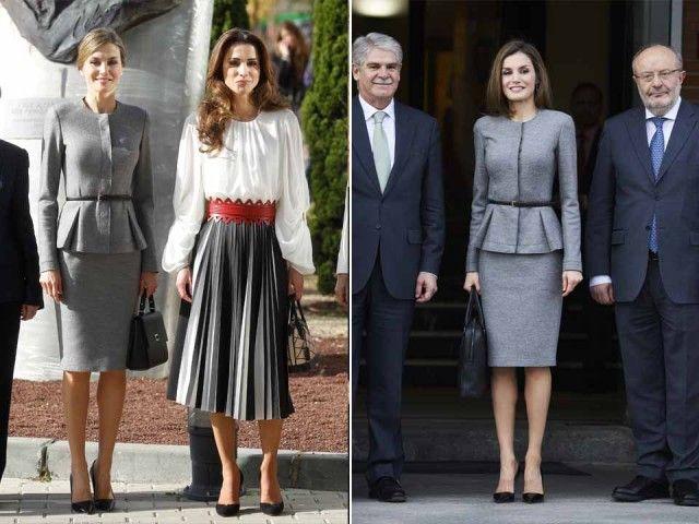 Look che vince, non si cambia. Con precisione scientifica, la regina Letizia indossa questo tailleur grigio – un colore neutro che ama molto, insieme al rosso e al bianco – in due occasioni a distanza di due anni. Lo scorso 7 marzo 2017 per un meeting internazionale dell'agenzia internazionale Aecid a Madrid, e nel novembre 2015 durante una visita di Stato in Spagna della regina Rania di Giordania (a sinistra), al Severo Ochoa Molecular Biology Centre a Madrid.