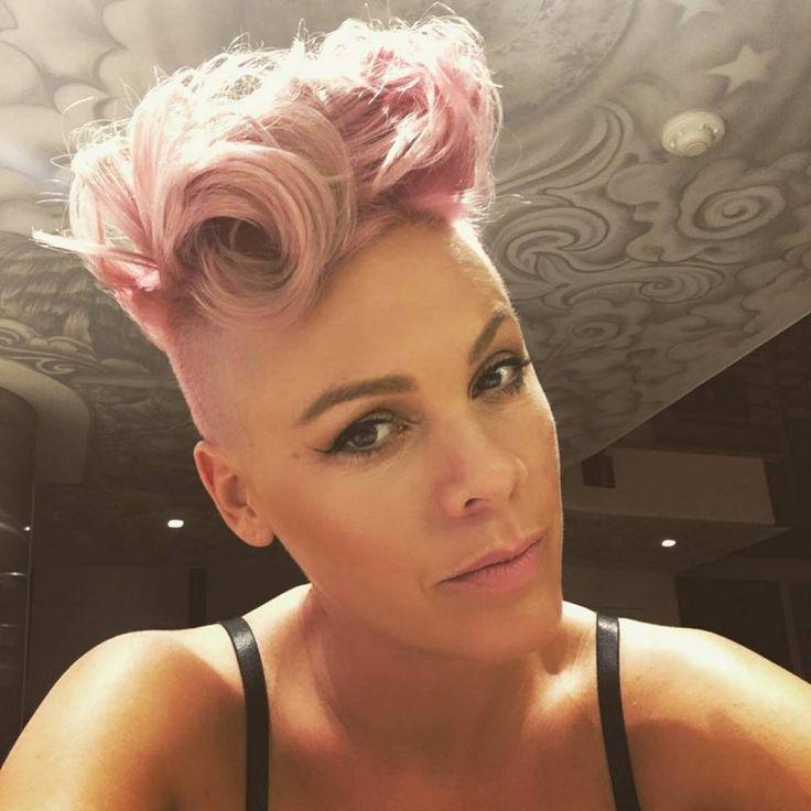 Haare von sangerin pink