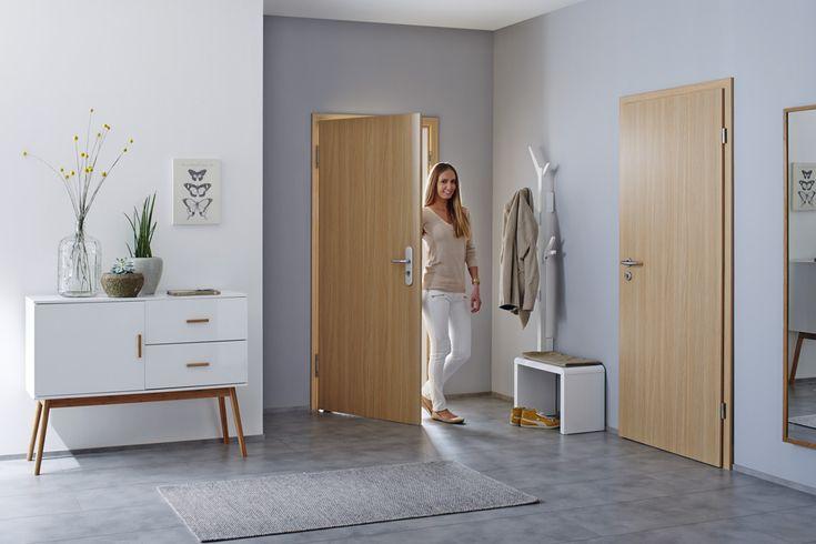 Die Türen der TechnicLine halten Temperaturunterschieden zwischen dem Wohnungsinneren und dem Hausflur ohne Verziehen stand und lassen den Lärm des Hausflures draußen. Optisch harmonieren sie mit den anderen Innentüren des Programms. - in Kooperation mit Hörmann // Mehr auf livvi.de