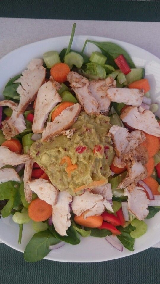 Chicken salad with lemon guacamole