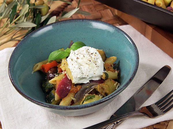 Vegetarisk pastarätt med rostade grönsaker | Recept.nu
