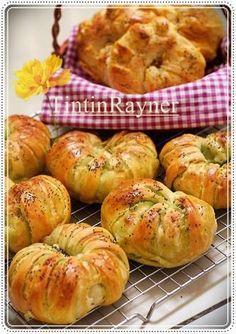 Roti Manis Konde Pandan,gurih ^-^ - Pandan Roll bun with poppy seed